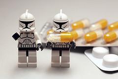 医薬品の副作用報告システムの利用件数